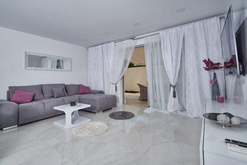 Apartment S & U